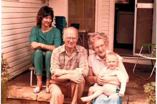 (1984) Mum,dad,Joe,Annie